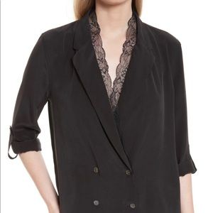Equipment: lace collar double breasted silk top